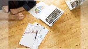 Profissionais de administração podem prestar consultorias e gerenciar riscos nas empresas